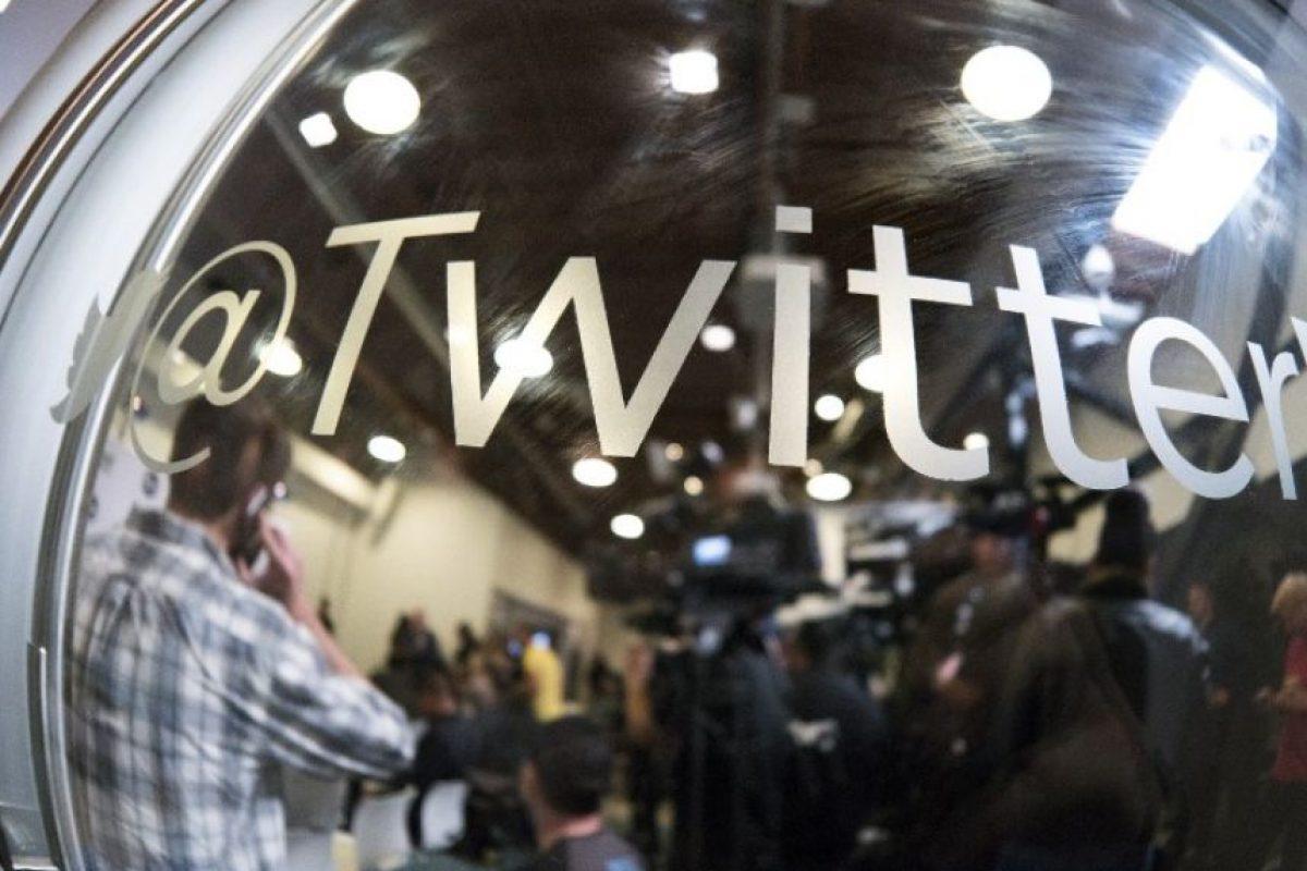 El logo de Twitter en una conferencia. Foto:AFP