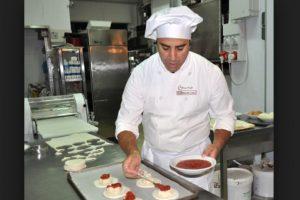2- Ayudante de cocinero y preparador de comida Foto:italiafastfood.com