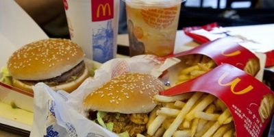 1 Cocinero de restaurante de comida rápida Foto:Wikipedia.org