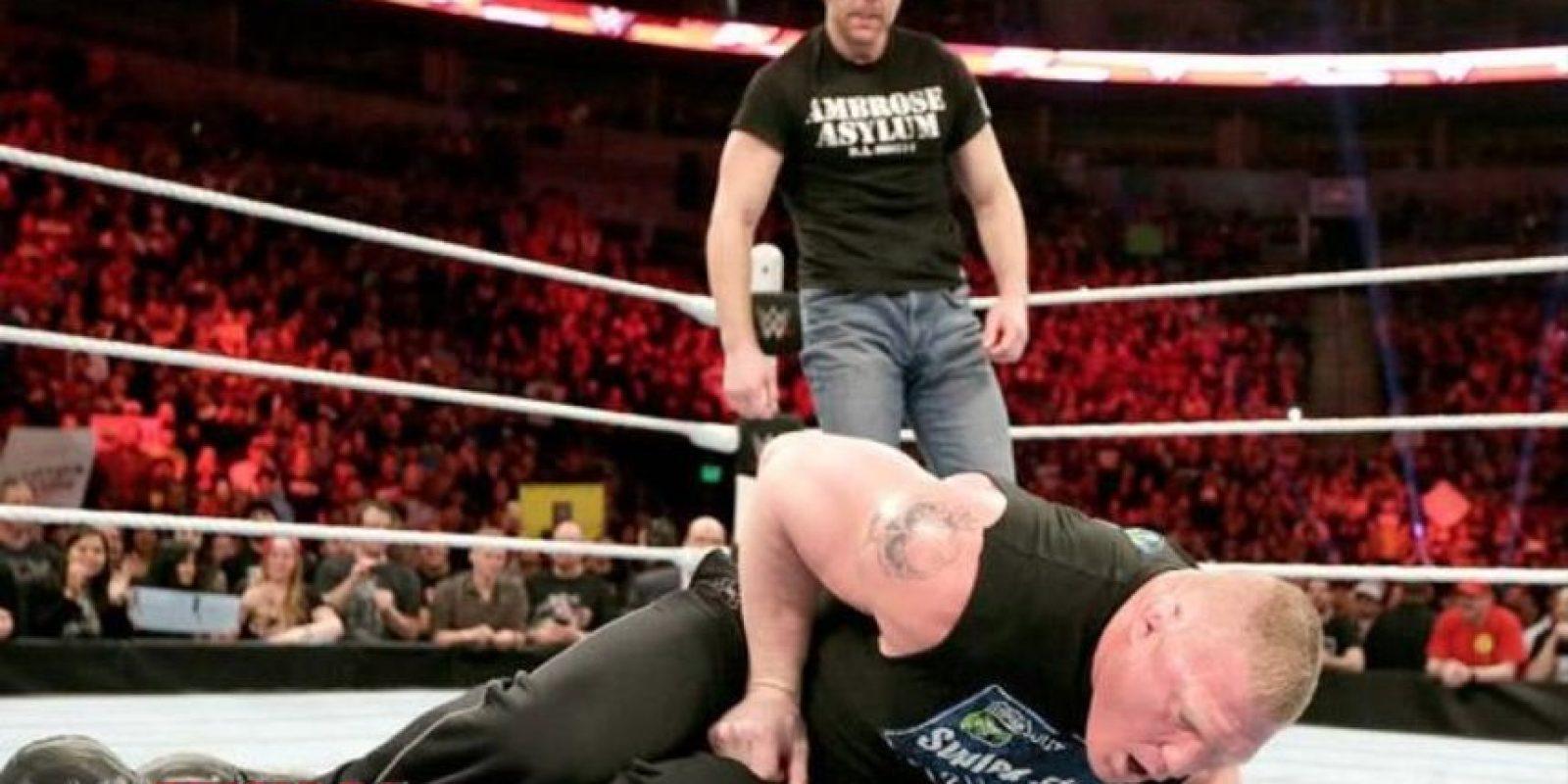 """La """"Bestia"""" contra el """"Medio Lunático"""" Foto:WWE"""