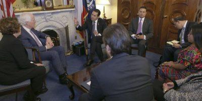 """Presidente Jimmy Morales le """"apunta"""" al Congreso de EE. UU."""