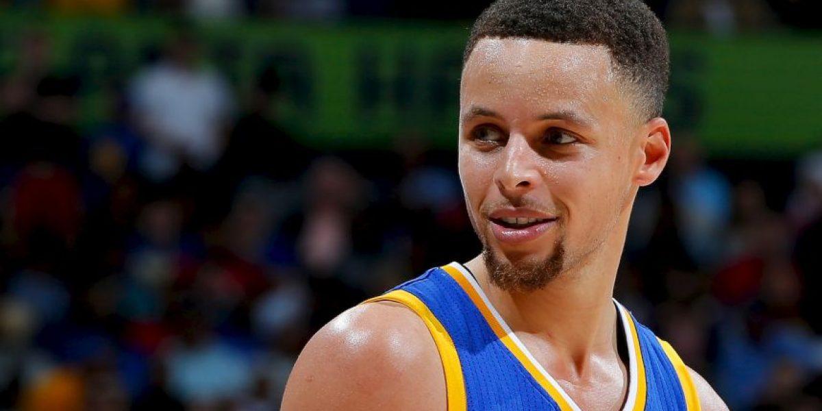 Video: Stephen Curry rompe récord y tiene este emotivo gesto con un pequeño fan