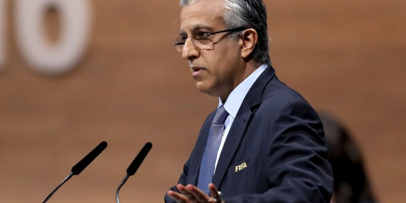 Salman Bin Ibrahim Al Khalifa de Bahréin, es uno de los cuatro candidatos que busca la presidencia de la FIFA Foto:Getty Images