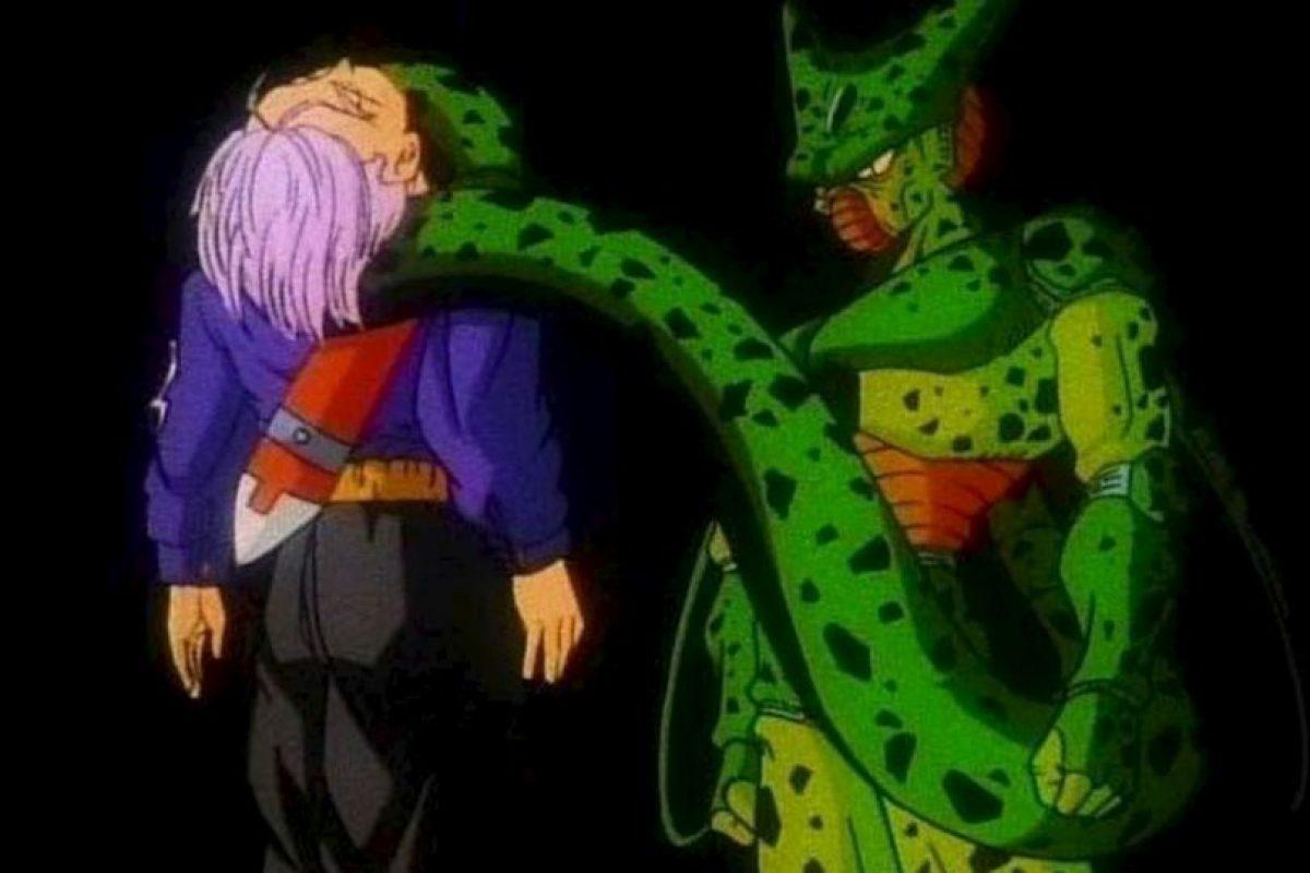 En un futuro alternativo Cell mataba a Trunks, extinguiendo así la raza de los saiyajin. Foto:Toei