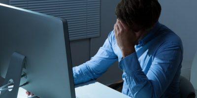 """El """"trabajo excesivo"""" crece, ¿laboras más de 48 horas a la semana?"""