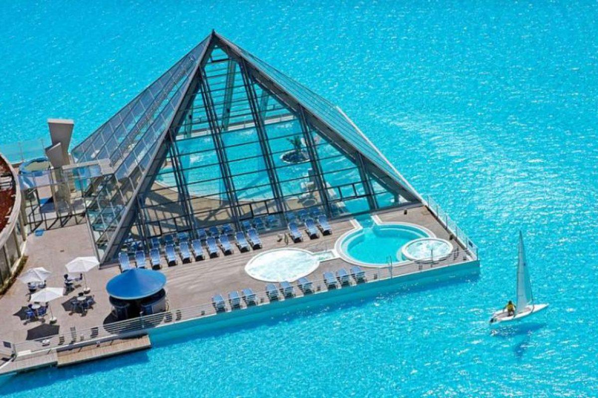 San Alfonso del Mar, Chile. Ostenta el récord Guinness de la piscina más grande del mundo. Tiene una extensión de más de un kilómetro de largo, ocho hectáreas y 250 millones de litros de agua. Foto:Wikicommons