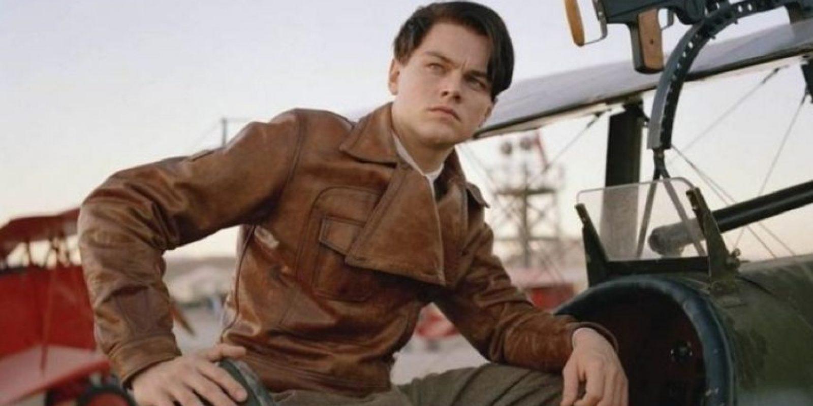 """2. """"El aviador"""". La segunda nominación fue en 2004 con """"El aviador"""", el actor que tenía 30 años en ese momento, encarnó al pionero de la aviación Howard Hughes. Foto:Vía Tumblr"""