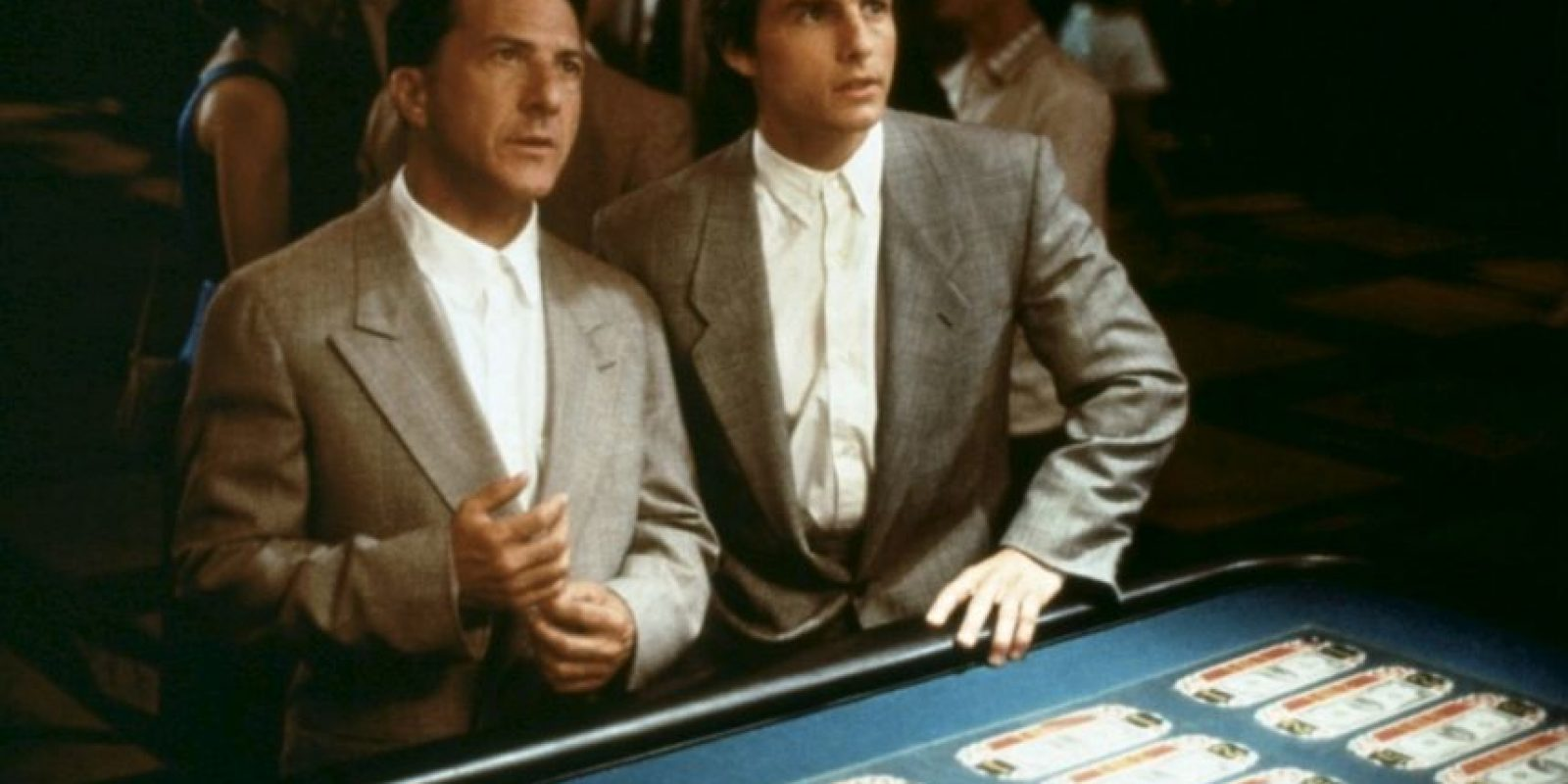 """""""Rain Man"""" o """"Cuando los hermanos se encuentran"""" es una película estadounidense de 1988 que cuenta la historía de dos hermanos: uno exitoso y el otro autista. Obtuvo cuatro premios de la Academia incluyendo mejor película. Foto:IMDB"""