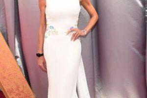 A Giuliana Rancic el vestido le queda bailando. Foto:vía Getty Images