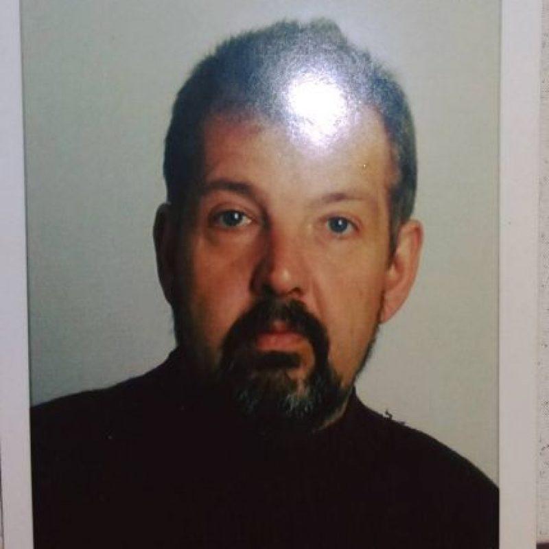 Algunos de los objetos que se encontraron incluyen fotografías del posible fallecido Foto:Facebook.com/barobo.policestation