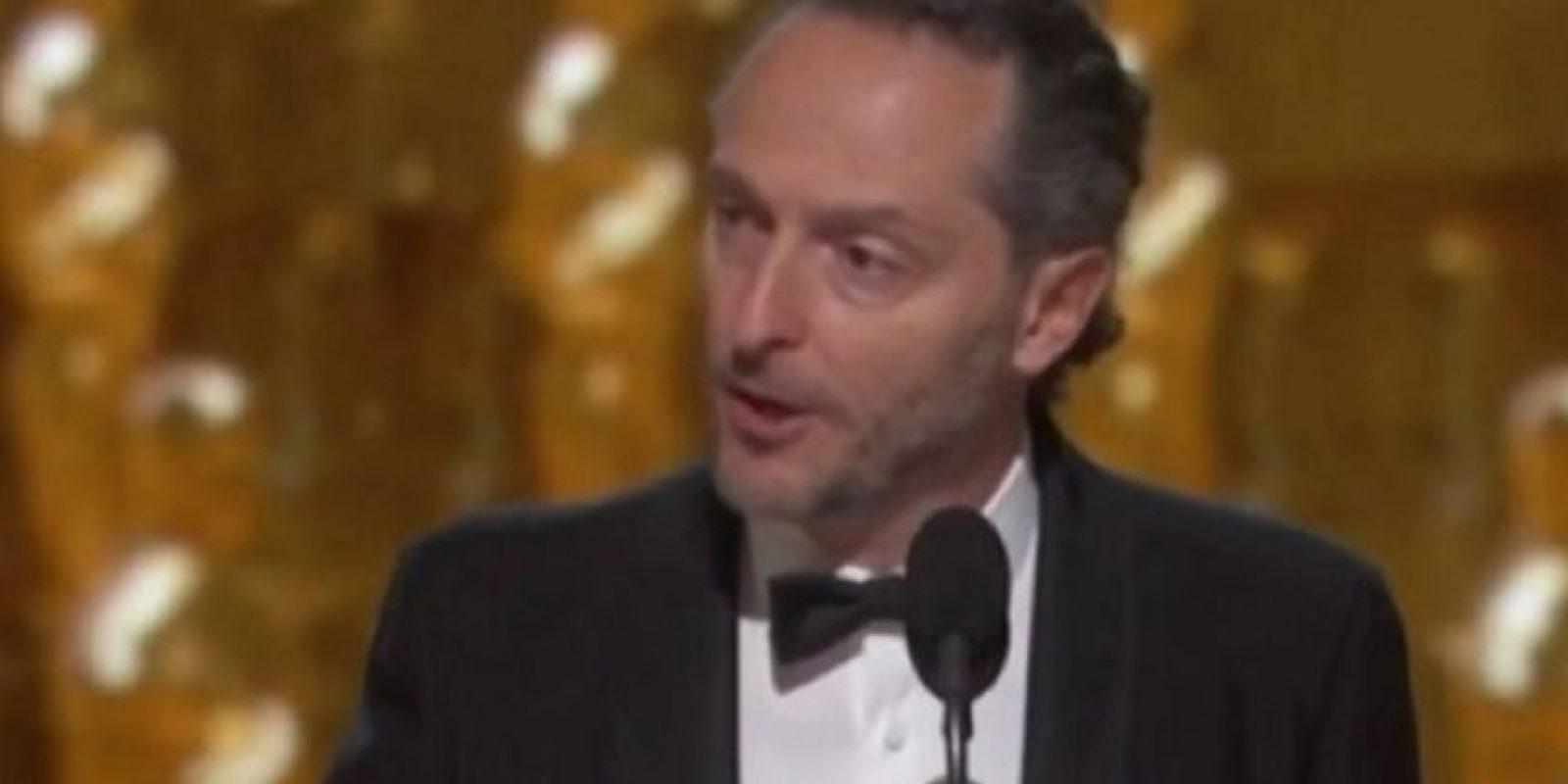 El mexicano Emmanuel Lubezki hizo historia al ser el primer fotógrafo en ganar tres premios Oscar de manera consecutiva. Foto:Vía TNT