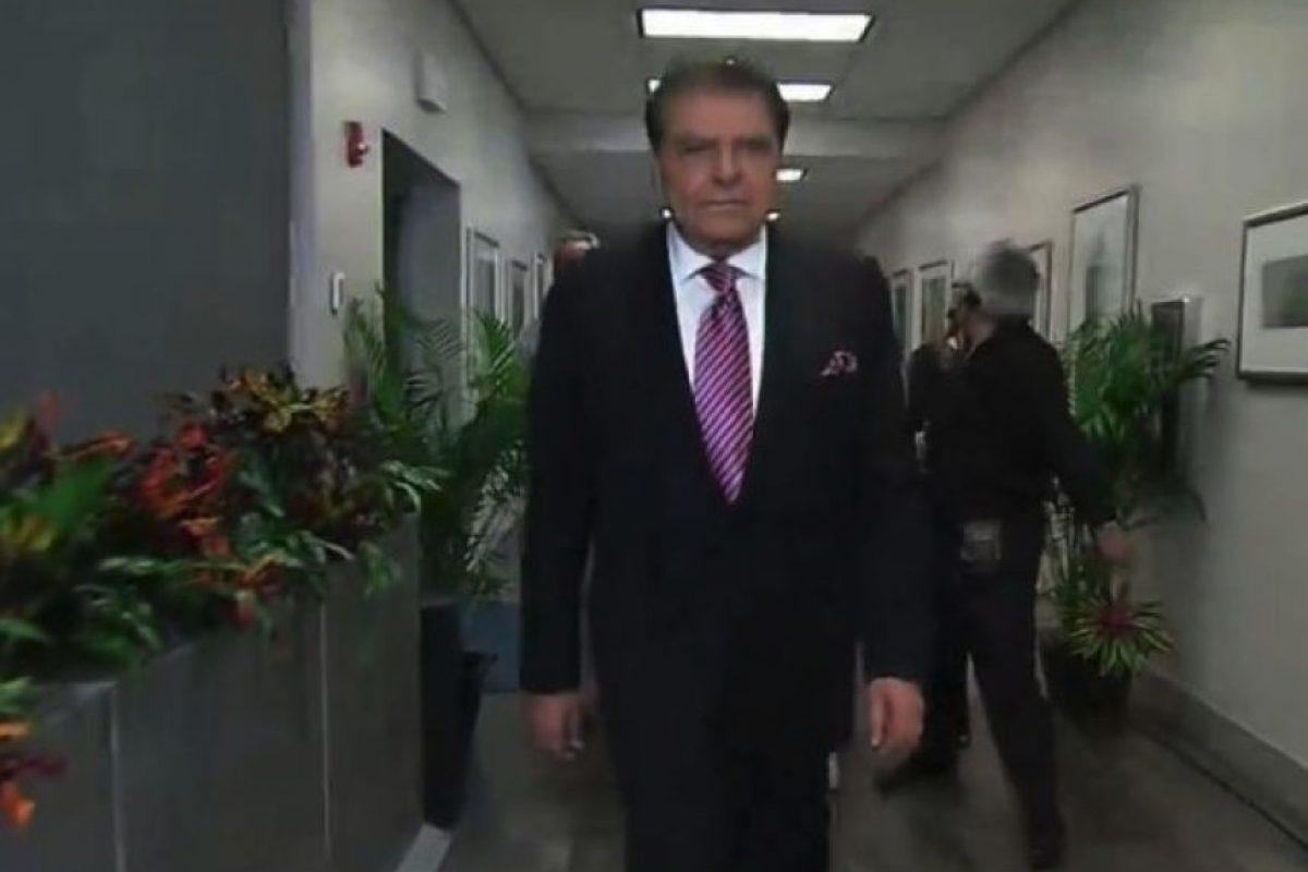 Recorrió las oficinas de Univisión. Foto:Vía Twitter/Univision