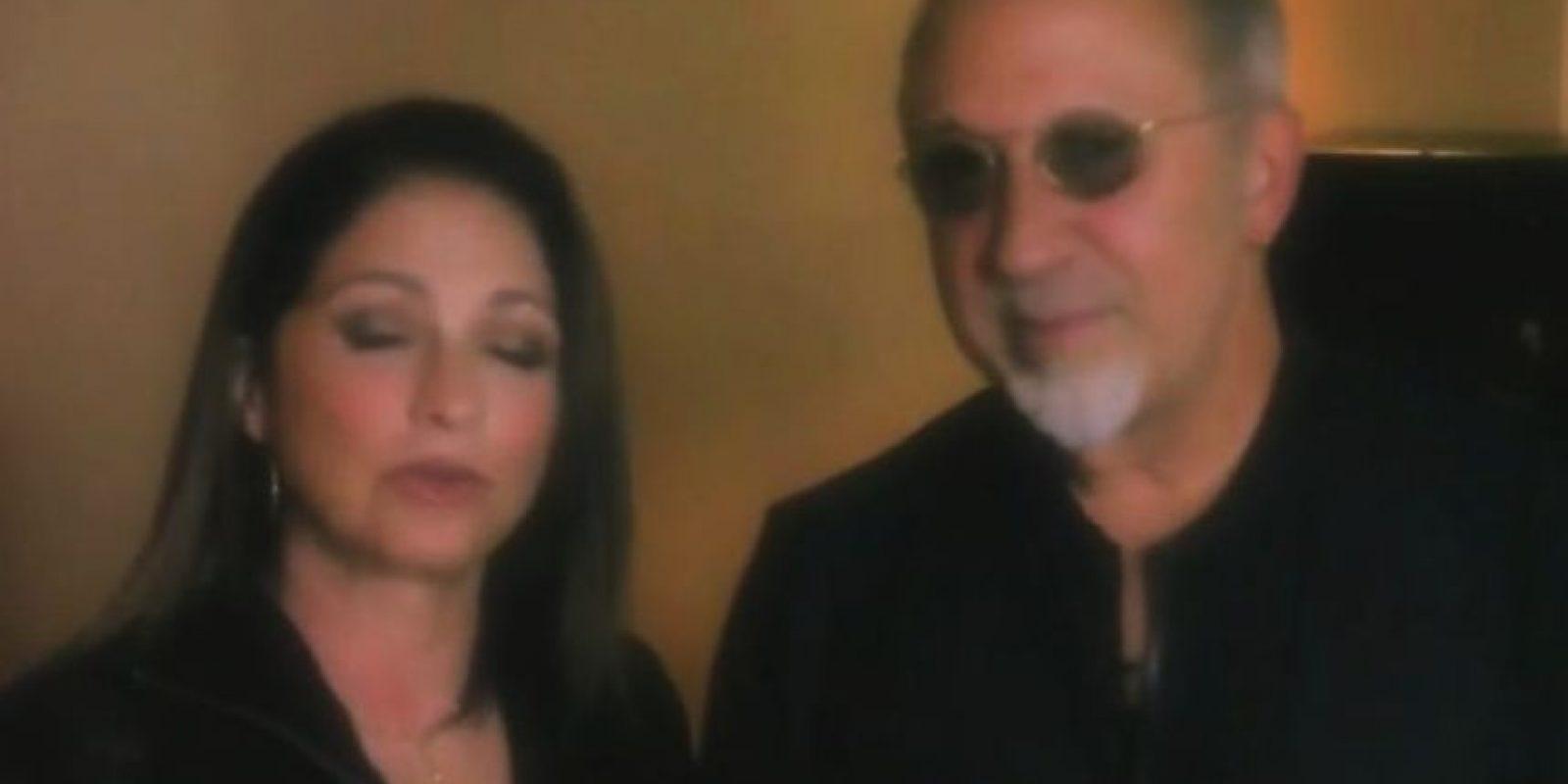Gloria Estefan y su esposo Emilio también le agradecieron Foto:Vía Twitter/Univision