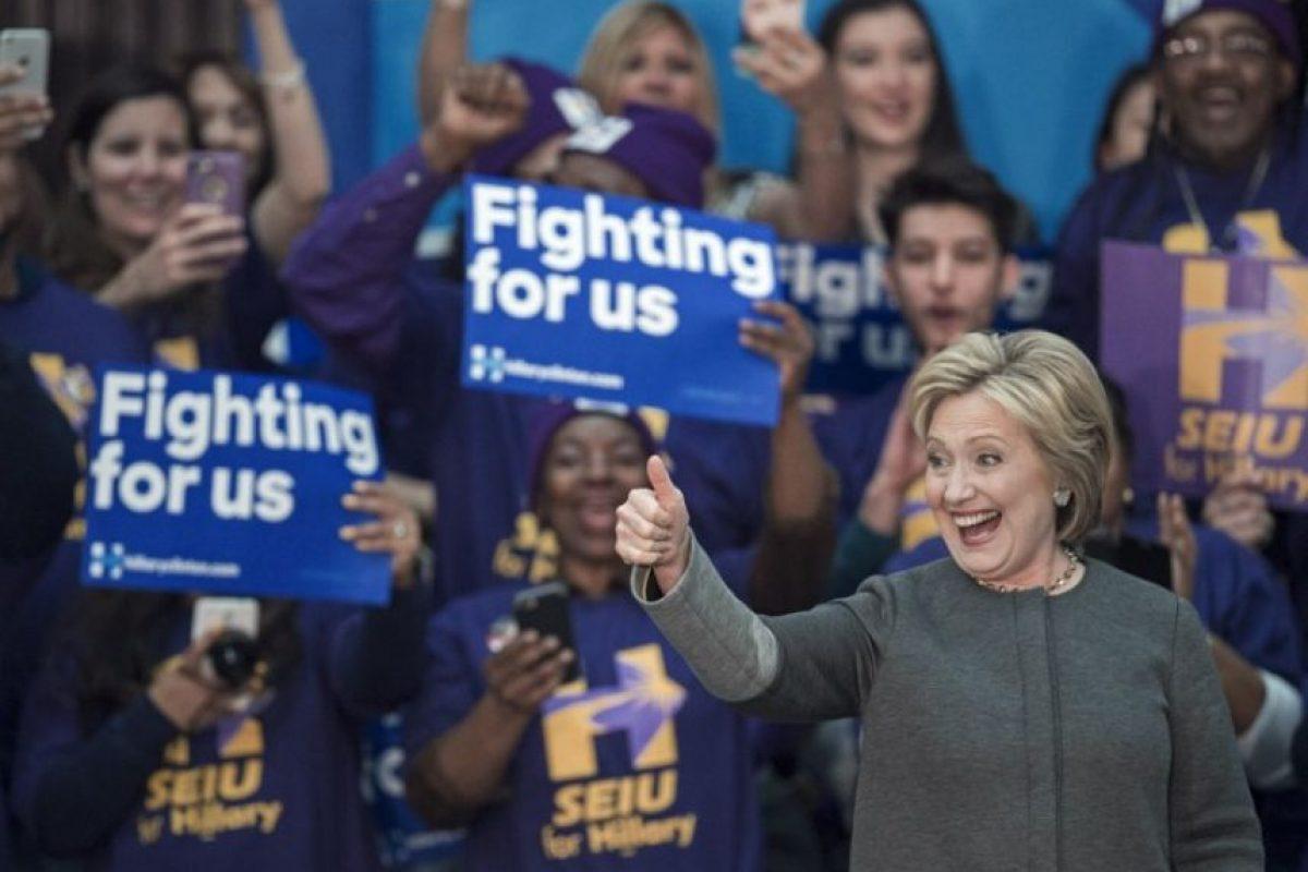 La candidata demócrata, Hillary Clinton, sonríe durante un evento en Estados Unidos. Foto:AFP
