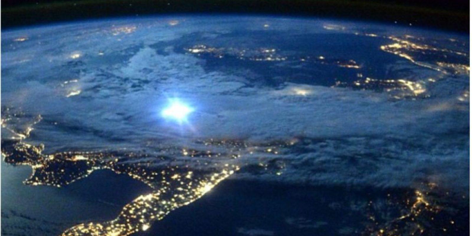 Kelly asegura que desde donde el veía la atmósfera se veía muy diferente a como se ve desde abajo. Foto:twitter.com/StationCDRKelly