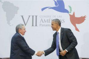 Para abril de 2015, ambos presidentes se reúnen en Panamá durante la Cumbre de las Américas. Foto:AP