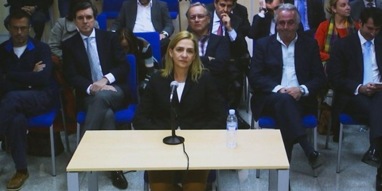 Se le relacionó a Cristina de Borbón, hermana de Felipe VI, por ser propietaria de la empresa Aizoon, que fue utilizada para desviar los fondos obtenidos ilícitamente. Foto:AFP