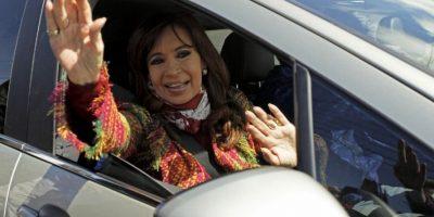 E invitó al entonces presidente electo, Mauricio Macri, a la Casa Rosada para felicitarlo personalmente Foto:AFP