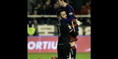 ¿Por qué Juan Carlos, portero del Rayo Vallecano, abrazó a Messi?