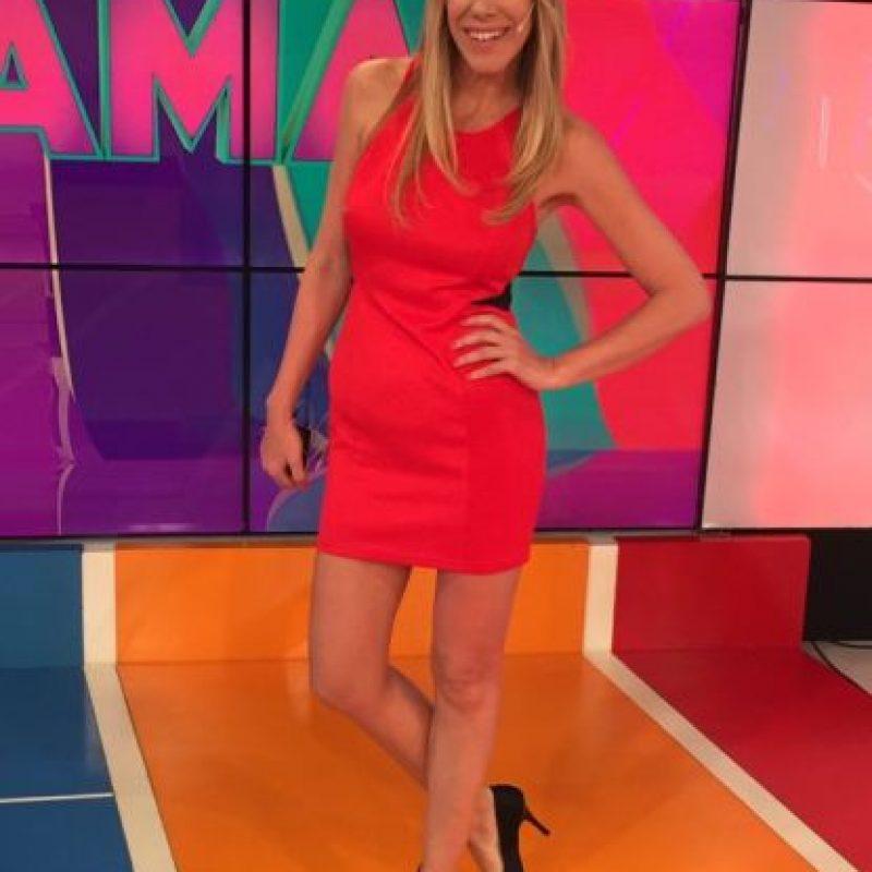 """Es la conductora del programa de televisión """"Pasión de Sábado"""" Foto:Vía twitter.com/marcebanios"""