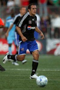 """¿Cómo dio sus primeros pasos en el fútbol profesional? Fue descubierto en su juventud por el """"cazatalentos"""" del América, Ángel González. Foto:Getty Images"""