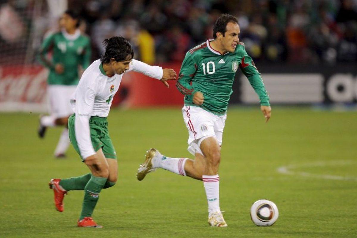 Durante su etapa en el fútbol español, Cuauhtémoc protagonizó una curiosa anécdota. El mexicano comenzó en la banca el duelo entre Real Valladolid y Real Madrid en el Santiago Bernabéu. Foto:Getty Images