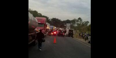 Trágico accidente en ruta al Pacífico involucra dos motos sobrecargadas