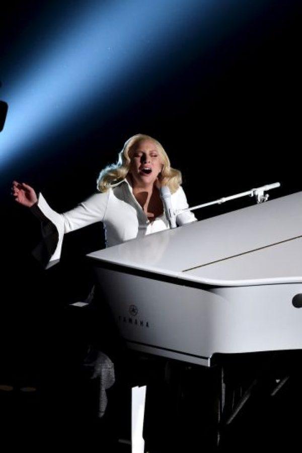 A pesar de que su interpretación fue aplaudida por todos en la gala… Foto:Getty Images