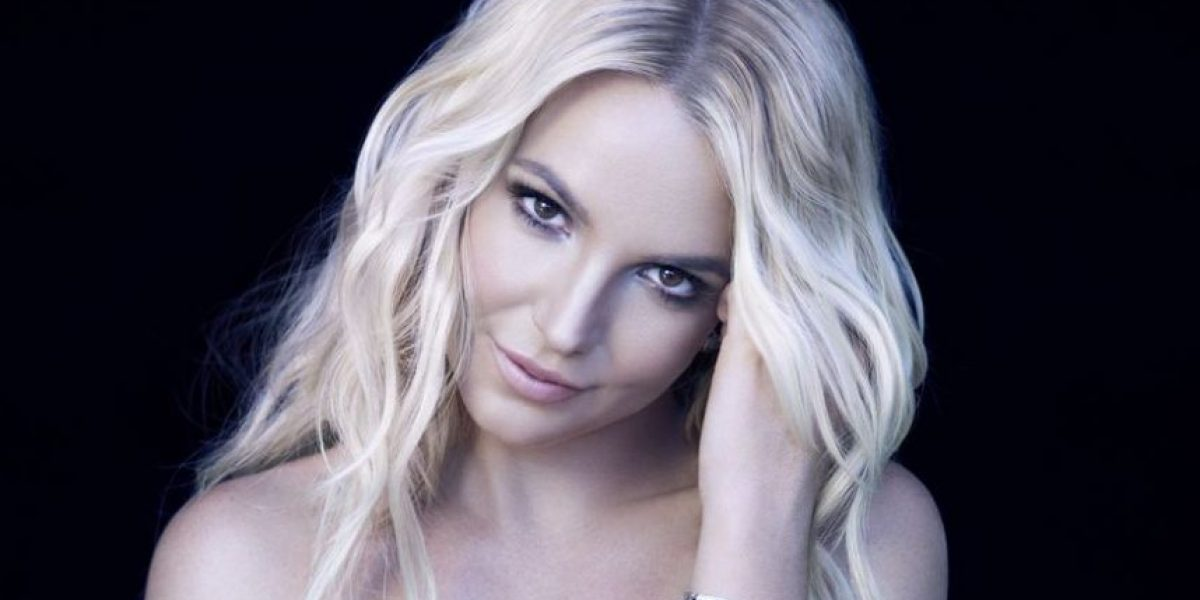 Sin Photoshop y al natural, Britney Spears presume sus curvas en bikini