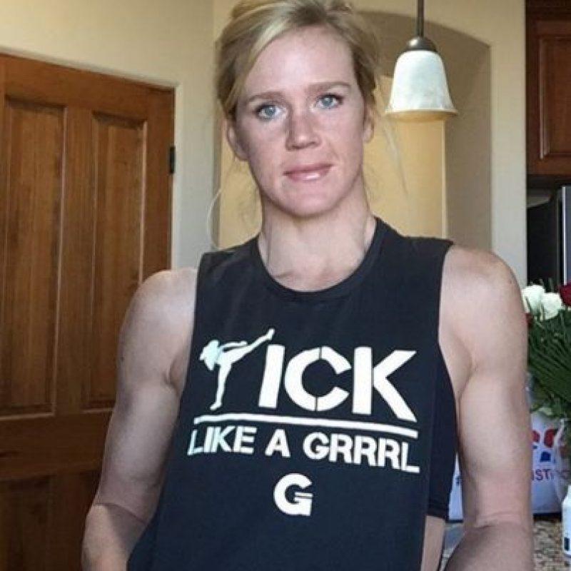 Desde 2014 pelea en la UFC, y es la actual campeona del Peso Gallo de Mujeres con un récord de 10-0. Foto:Vía instagram.com/hollyholm