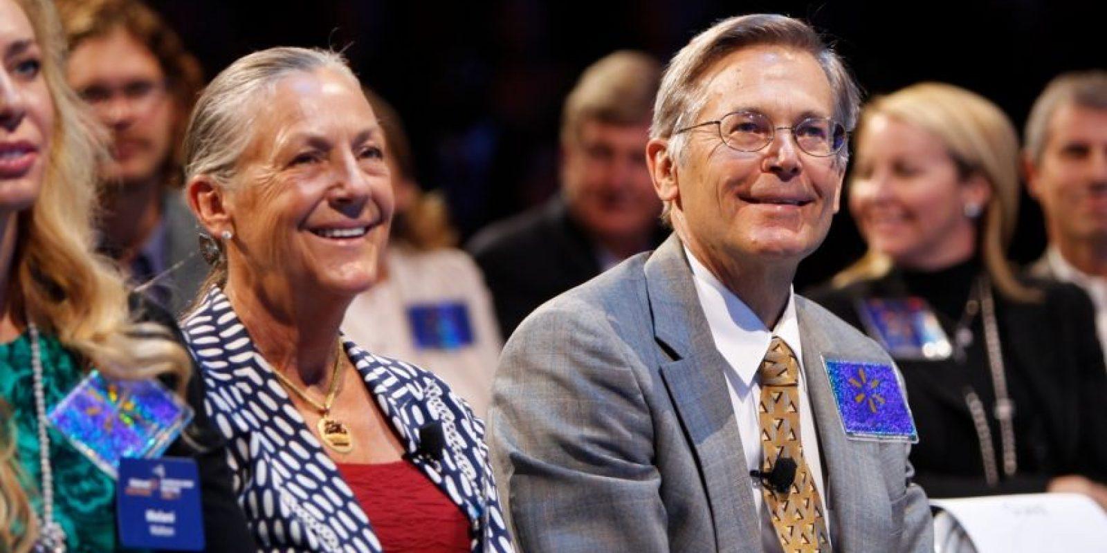 15. Jim Walton. Tiene su fortuna evaluada en 33 mil 600 millones de dólares. Su compañía, Wal-Mart Foto:Getty Images