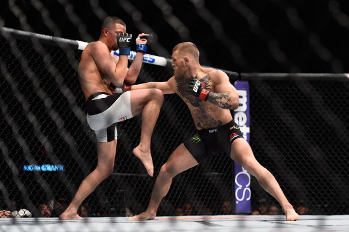 El irlandés, campeón del peso pluma, subió a las 170 libras (77.1 kilos) para luchar por el cinturón del Peso Welter. Foto:Getty Images