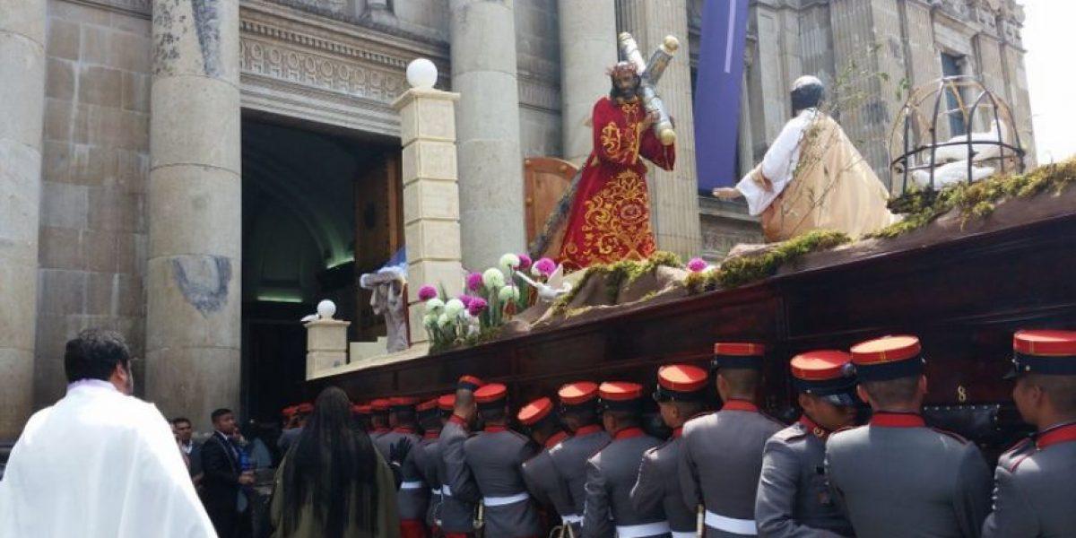 Procesión de Jesús Nazareno de la Guardia de Honor ingresa a Catedral Metropolitana