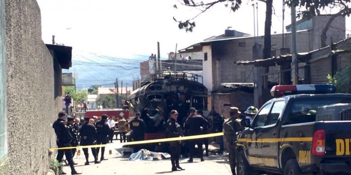 Ministro de Gobernación no descarta que explosión en bus haya sido por pandilleros de la mara 18