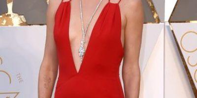 10 famosas en sus looks más glamurosos y en sus peores outfits