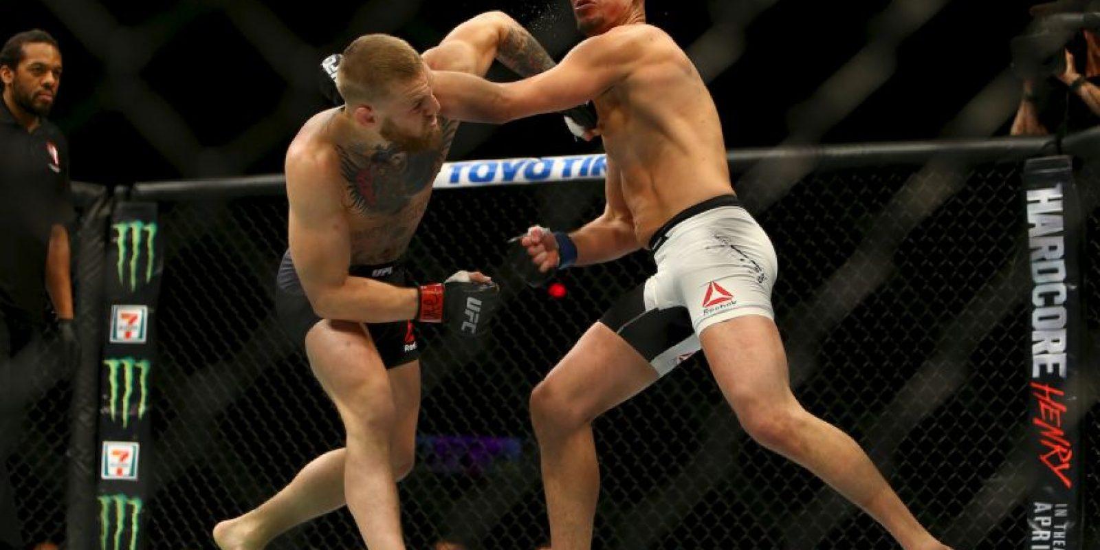 Pero Díaz sólo necesitó dos rounds para derrotar a la estrella de la UFC. Foto:Getty Images