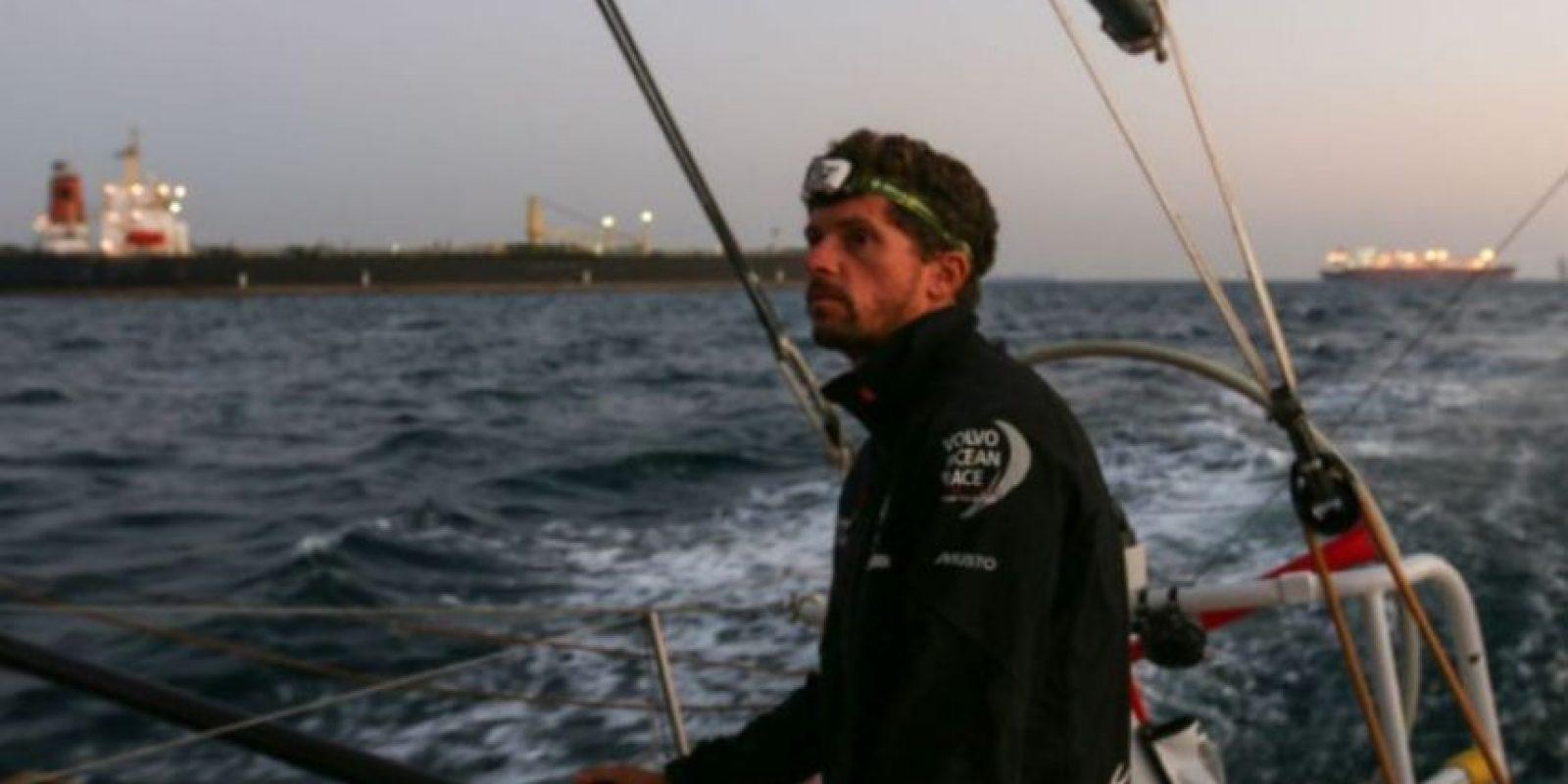 Un hombre prohibió que un equipo de rescate salvara la vida de su hija de 20 años, quien se ahogaba en aguas de Dubái, ciudad de los Emiratos Árabes Unidos. Foto:Getty Images