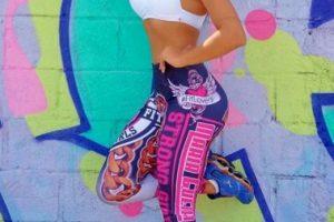 Es modelo e instructora de fitness brasileña. Foto:Vía instagram.com/civallentimfc