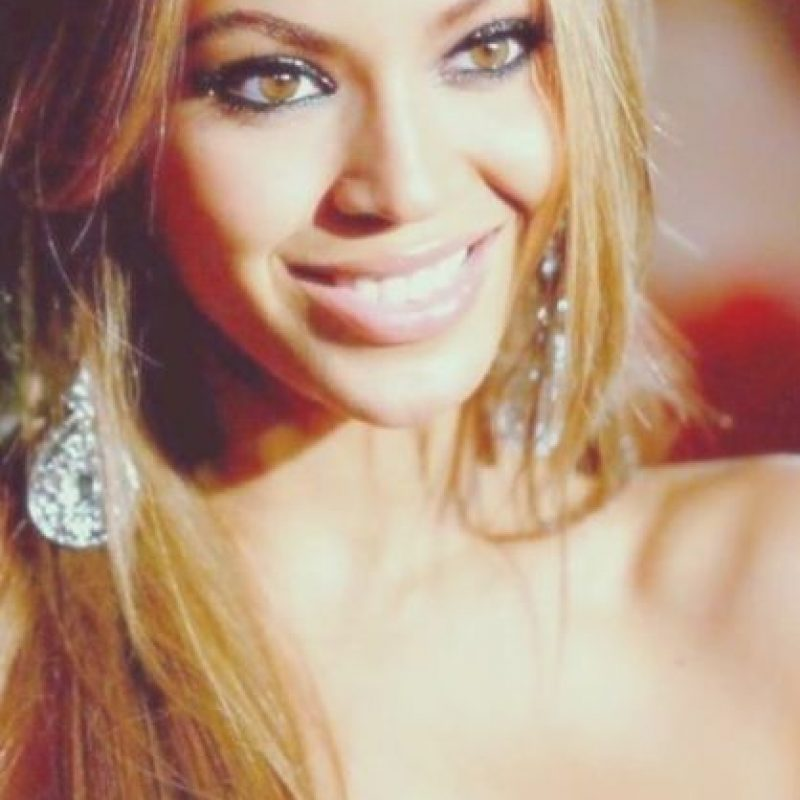 "Cantó canciones como ""Crazy in Love"", ""Halo"" y un cover de ""I will always love you"", popularizada por Whitney Houston, . Foto: Vía Instagram/@beyonce"