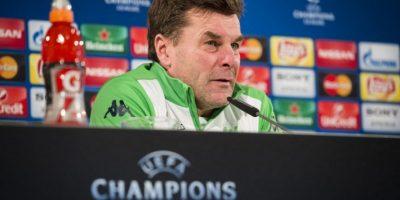Dieter Hecking, técnico del Wolfsburg, en conferencia de prensa. Foto:AFP