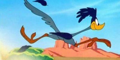 """Video. Ciclistas son perseguidos por una ave gigante al """"estilo Looney Tunes"""""""