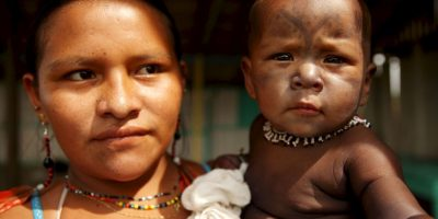 En Brasil se pueden encontrar mujeres del grupo indígena mundurukú. Foto:Getty Images