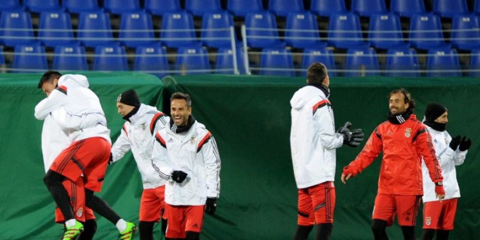 Jugadores del Benfica entrenan previo a un partido de Champions League. Foto:AFP