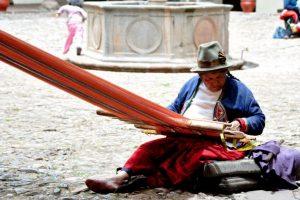 Así laboran las mujeres Quechuas en Perú. Foto:Flickr.com