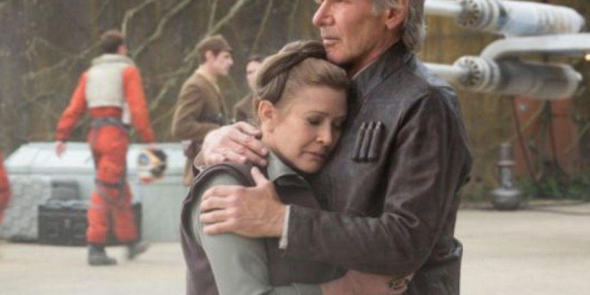 """Director de """"Star Wars: Force Awakens"""" admite error en la película"""