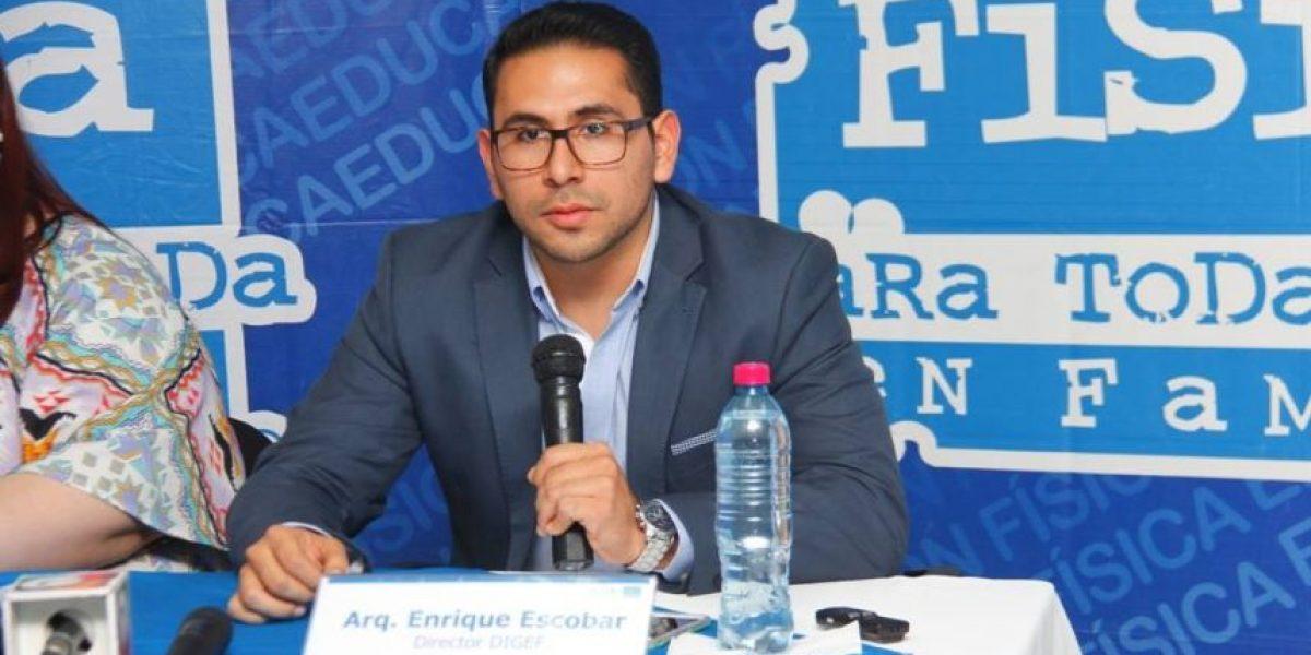 Director de Digef denuncia anomalías en contratación de personal