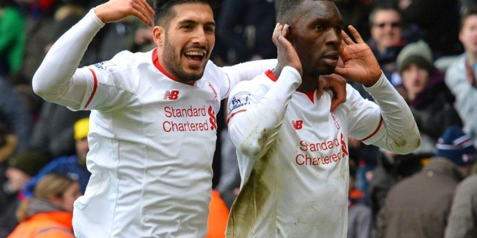 Jugadores del Liverpool celebran un gol en un partido de la Premier League. Foto:AFP