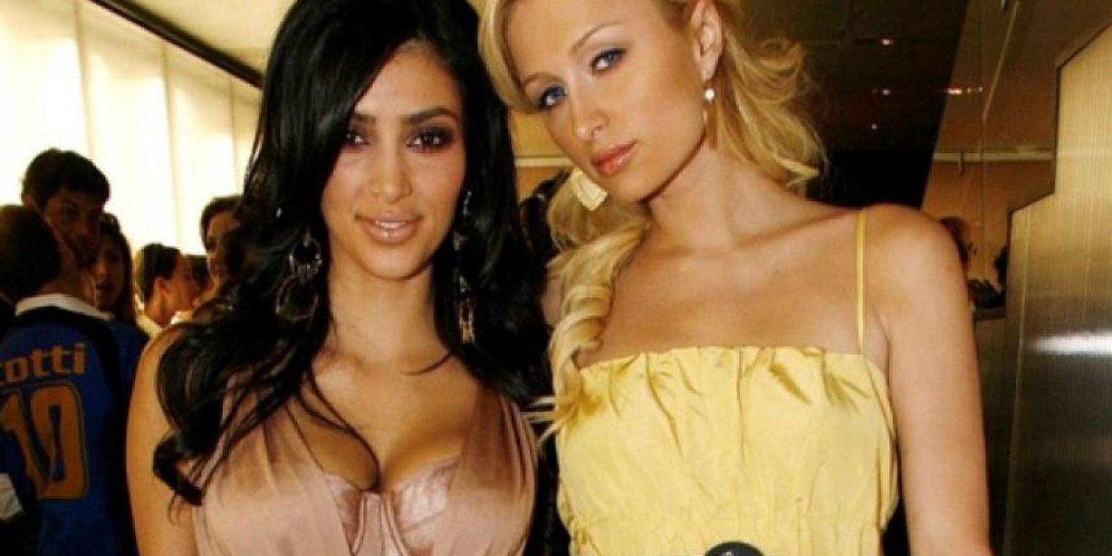Paris Hilton vs Kim Kardashian. Por un tiempo Kim solo era reconocida como la amiga de fiestas de Paris Hilton, pero desde que Kardashian se hizo famosa, se han convertido en rivales. Foto:Getty Images
