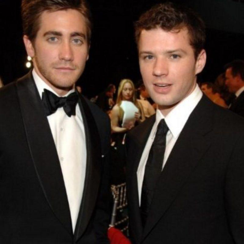 Jake Gyllenhaal vs Ryan Phillippe. Este par de actores eran amigos de mucho tiempo y solían entrenar juntos en el gimnasio, pero la amistad terminó cuando Jake empezó a salir con la exesposa de Ryan, Reese Witherspoon. Foto:Getty Images