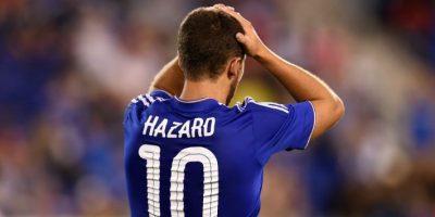 El jugador belga del Chelsea, Eden Hazard, se lamenta en un partido. Foto:AFP